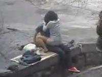 グイグイ押し付けるように激しく腰を振って対面座位してるカップル盗撮