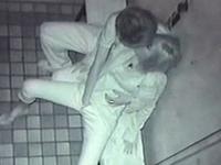 暗闇の中でエロいことしてるカップルを暗視カメラで盗撮