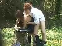 学校帰りにエッチしてる学生カップルの青姦盗撮