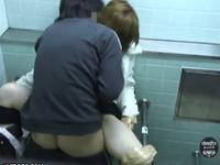 レイプされる女性を撮影し続ける衝撃盗撮動画