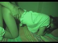 娘を夜這いレイプした父親 処女膜貫通からの中出しを暗視盗撮