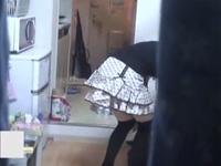 ベランダから盗撮!一人暮らしの女の子の生活感あふれる部屋とオナニー