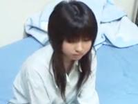 おとなしめのJKが学校帰りにセフレの部屋に寄ってセックスしまくっている盗撮動画