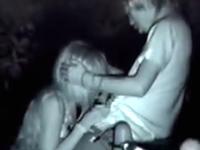 深夜の野外で発情した素人カップルを赤外線盗撮 ヤンキーの彼氏がギャルにフェラチオさせてた