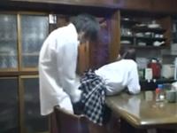 家庭内で盗撮された映像が流出 兄と女子校生の妹が近親相姦…大家族の子どもは性欲旺盛