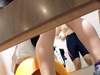 競泳水着を試着する女子大生を隠し撮り 健康的な肉体にパツパツの水着