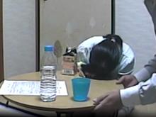 糞生意気な女生徒を部屋に誘って眠らせて…教師が撮影した昏睡レイプ
