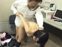 万引きしたJKを捕まえては事務所で性処理させていた鬼畜店長