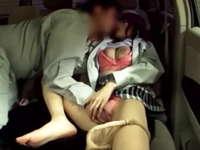 職場の若妻を車載カメラで盗撮!車に連れ込んで手マンで攻めてフェラさせてみた