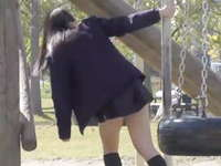 公園で彼氏とデートしてる女子校生の彼女を徹底追跡!ミニスカから見える可愛いパンツ