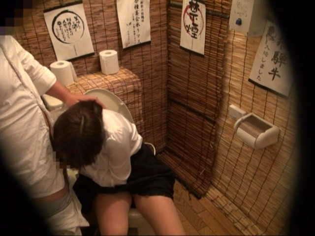 居酒屋のトイレ24