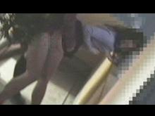 集合住宅で見るお隣さんの性生活!ベランダでヤッてる人妻を隠撮