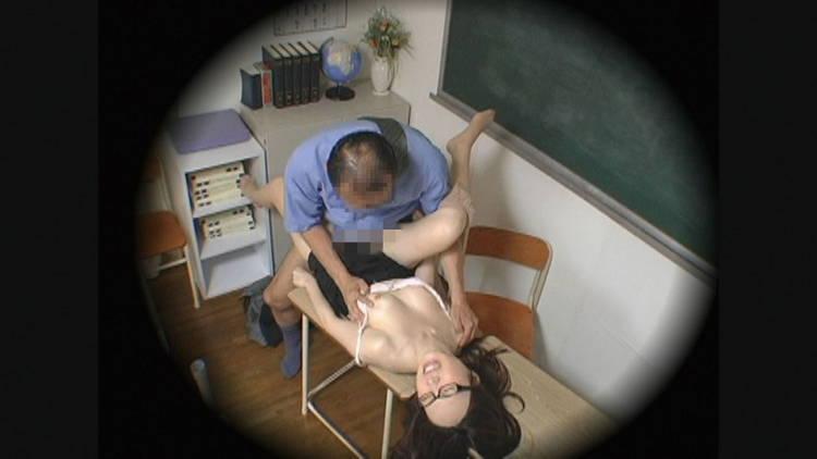 教師と保護者の裏側…7