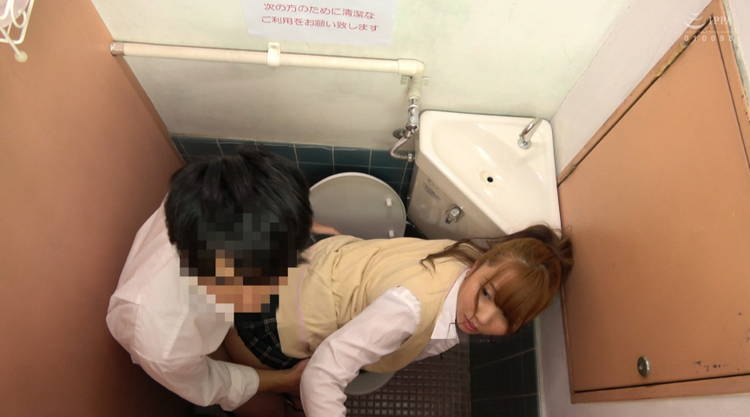 トイレでセックス…5