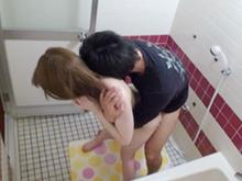酔っ払った姉を風呂場でレイプして中出しした弟の近親相姦盗撮動画